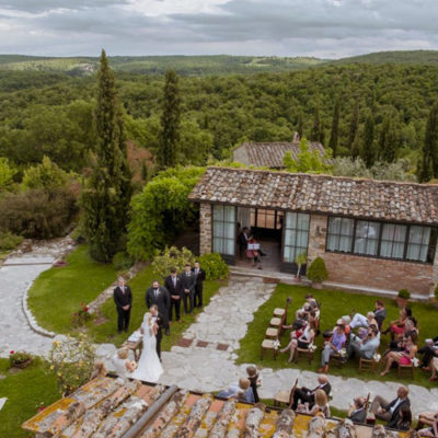 wedding in tuscany country relais
