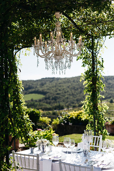 BeA Alfresco wedding in Tuscany